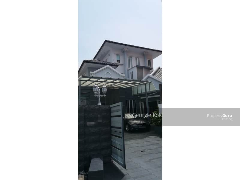 Semi-Detached House in Lucky Heights Vicinity #129865980