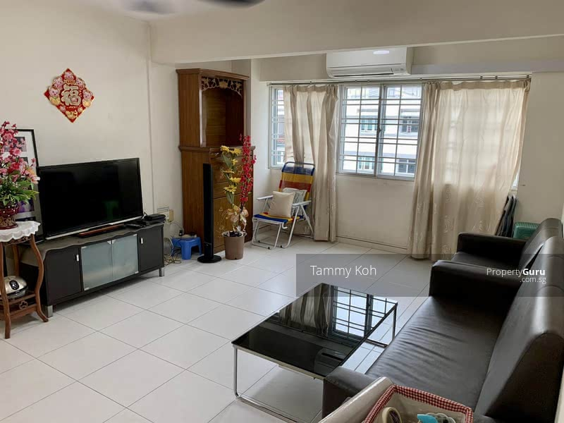 Huge Living Area, Well ventilated, Bright and Airy
