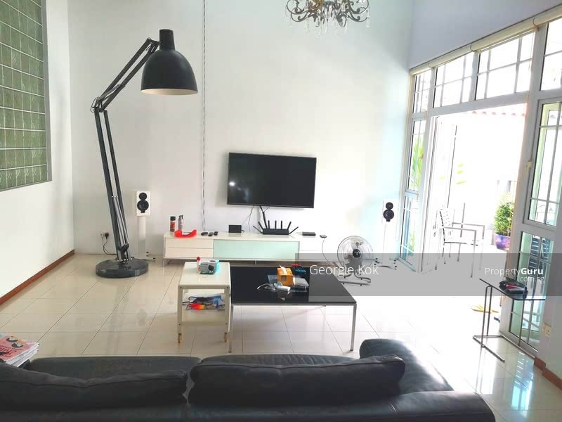 Semi-Detached for Rent at Lucky Heights vicinity #129502624