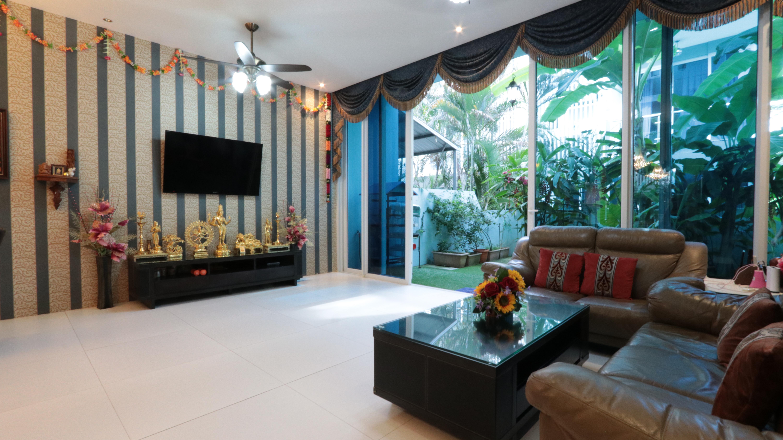 Rare Corner Terrace for Sale at Sembawang Park D27 #129560208