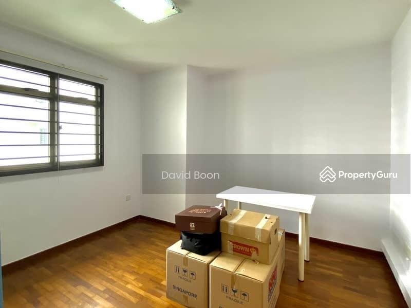 675B Jurong West Street 64 #129572990