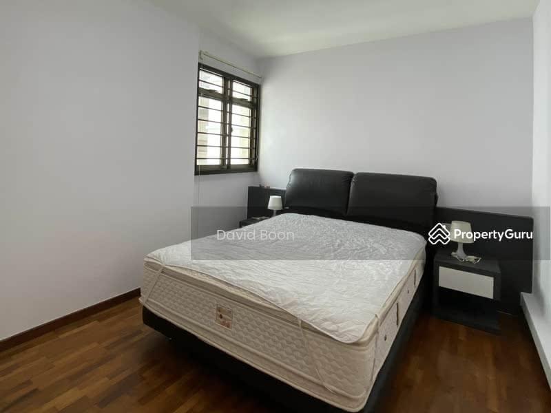675B Jurong West Street 64 #129572992