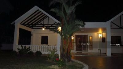For Sale - ❤️❤️RS EXCLUSIVE ELEVATED SQUARISH WIDE DUAL FRONTAGE SINGLE STY BUNGALOW IN GCB AREA ☎️91890081