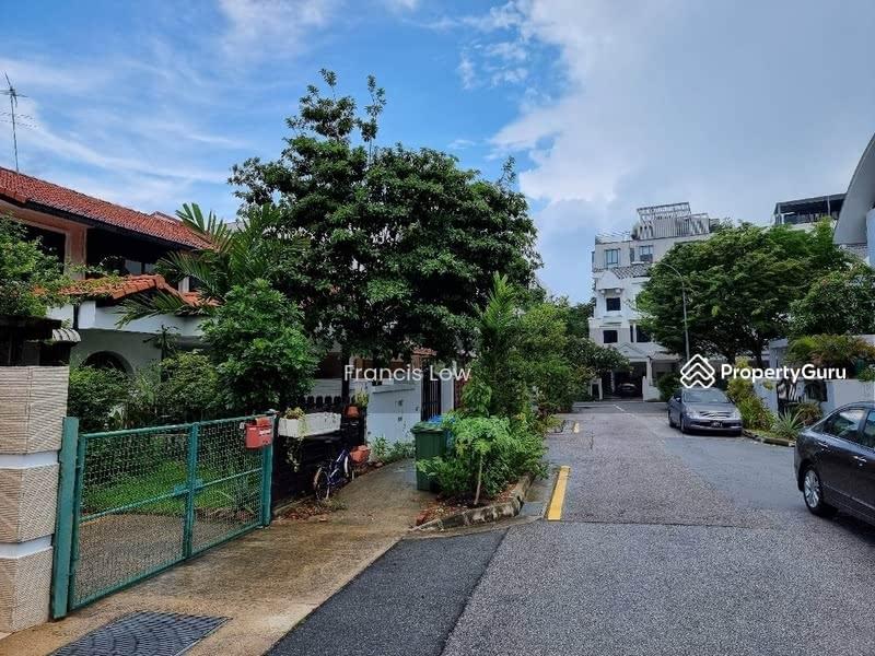 Huge Corner Terrace at Jln Tamban #129605044