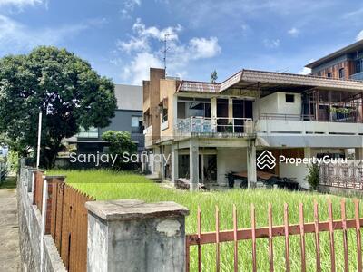 For Sale - Begonia Road Freehold Semi D For Rebuilt , 6308 sqft, 9xxpsf