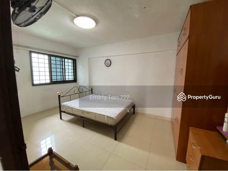 239 Hougang Street 22 #129654060