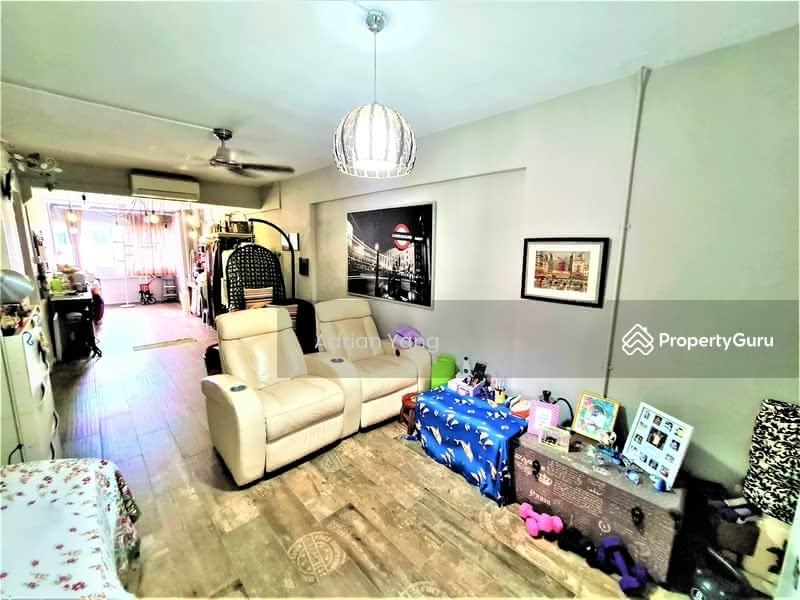 210 Jurong East Street 21 #129649444