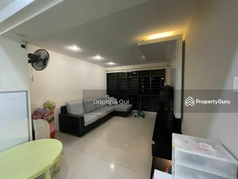 653A Jurong West Street 61 #129658412