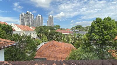 For Sale - Hilltop Bungalow at Victoria Park Rd & Coronation Rd Area