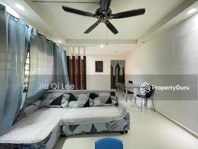 For Sale - 406 Sembawang Drive