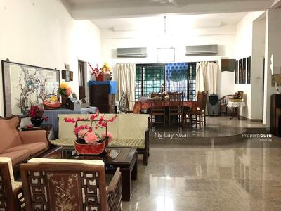 For Sale - ⭐️ Star Buy ⭐️ LESS THAN $900 PSF- 3 Storey Bungalow near MRT