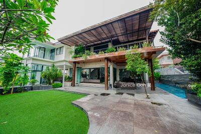 For Sale - Dream Detached GCB-like Wine Cellar Hot Pool 1km St Gabe's