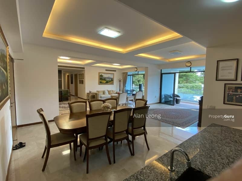 Huge space for extended family and entertainment