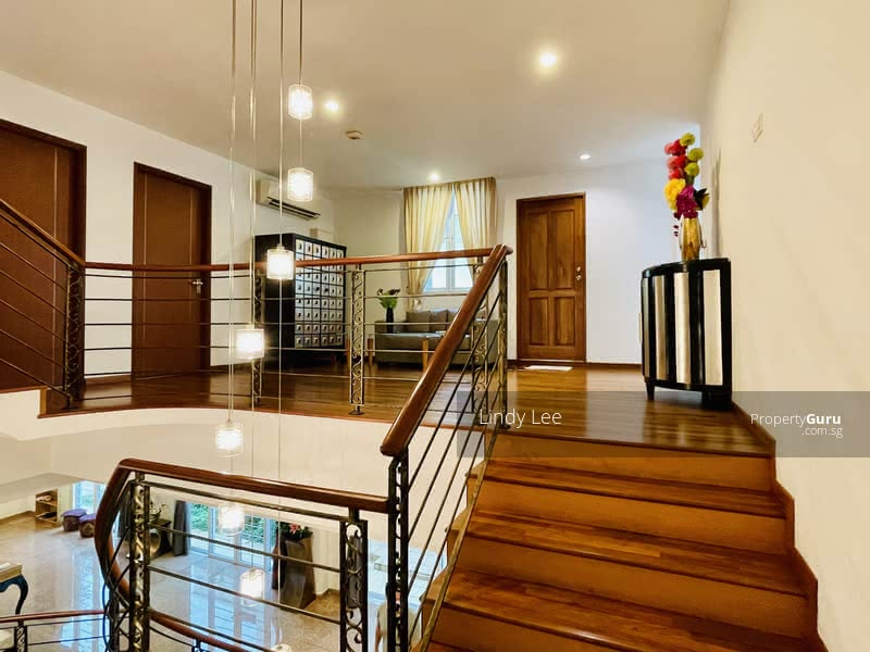 Freehold Move in Condition Semi Detached for Sale! Call Lindy @98881919 for more landed listings! #129759050