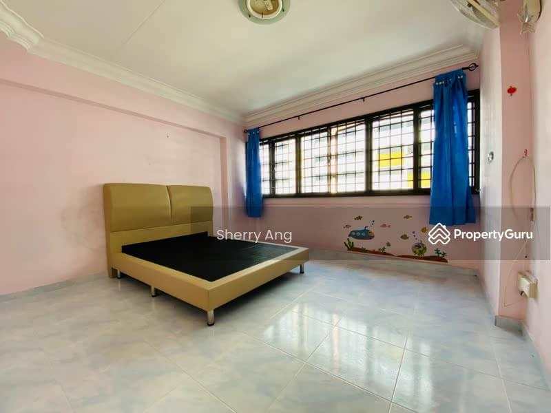 689 Hougang Street 61 #129761804
