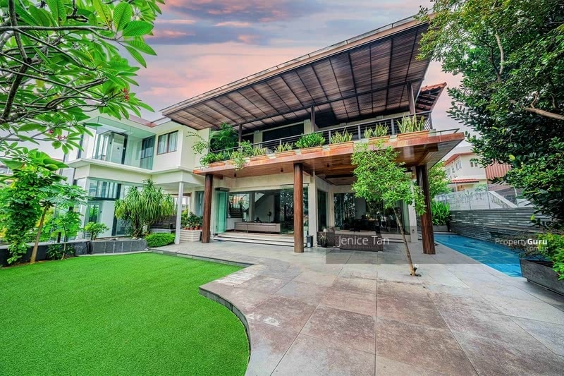 SIMPLY ATAS!! Luxe Villa Elevated View! Elegant, Luxurious Bungalow Nestled in Prime Braddell Hts #130401632