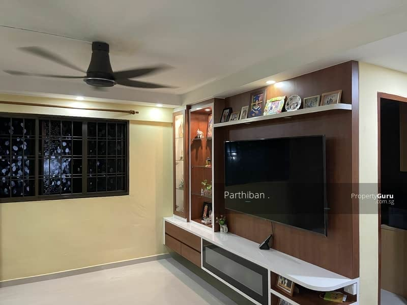 205 Jurong East Street 21 #129845730