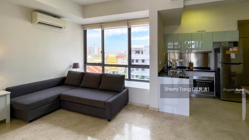Bright & Spacious Living Area with unblocked view