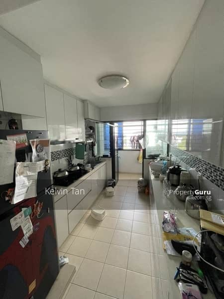 593A Montreal Link #129863668
