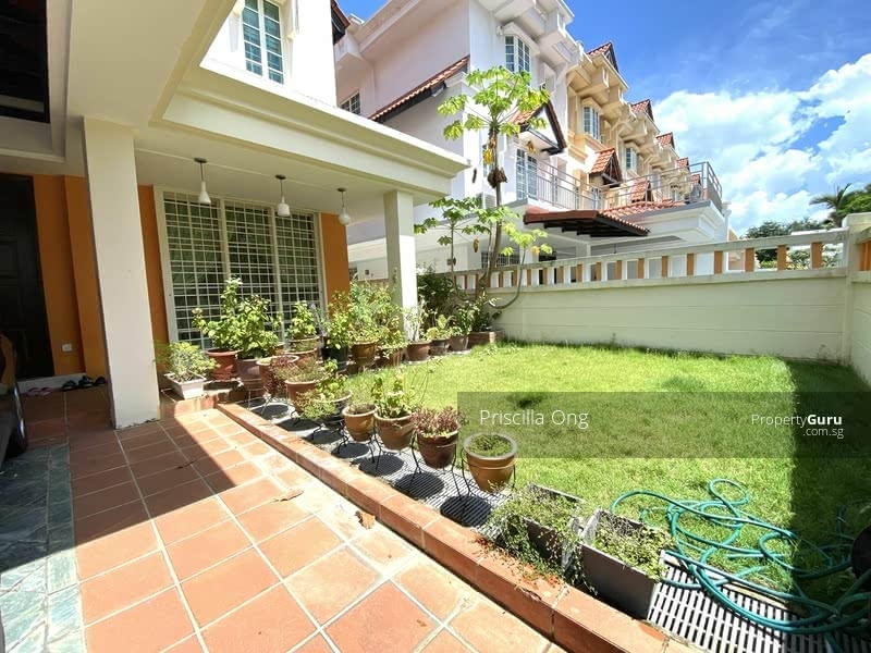 Mera Terrace #129871116