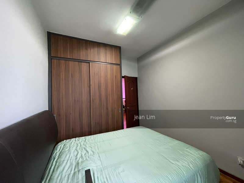 Beautiful Rooms For Rent @ Toh Tuck Close Terrace #129877278