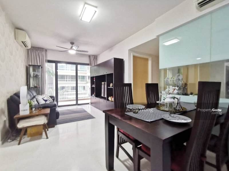 The Lakefront Residences #130783246
