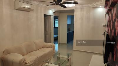 For Rent - 218 Tampines Street 24