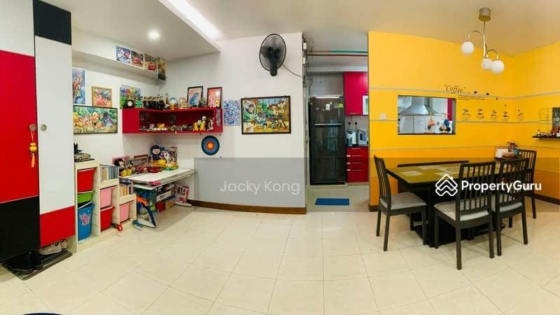 987D Jurong West Street 93 #129942018