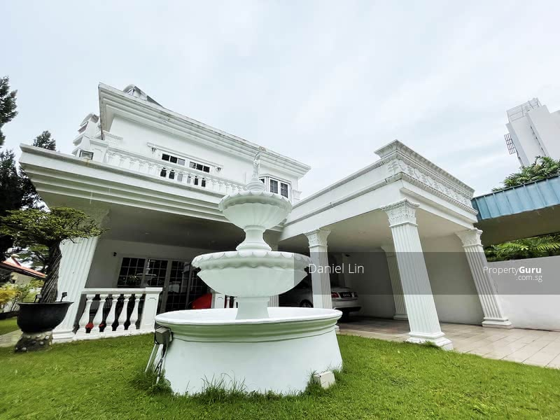 For Sale - Semi-Detached House at West Coast Park