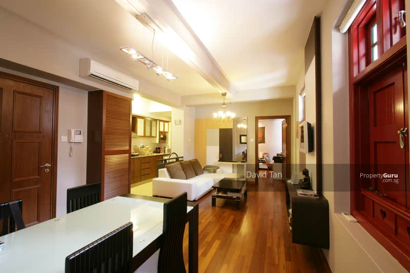 2 Bedroom plus Study in an Award Winning  Conserved Shophouse Apartment in Chinatown #130097438
