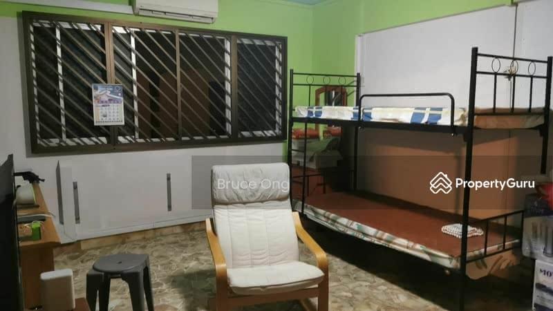 Master Room @ 895A Tampines Street 81 #130280376