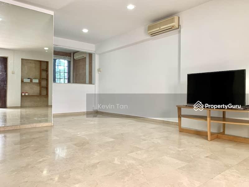 698D Hougang Street 52 #130308264