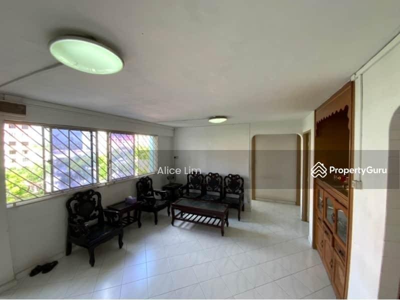 678 Hougang Avenue 8 #130683036