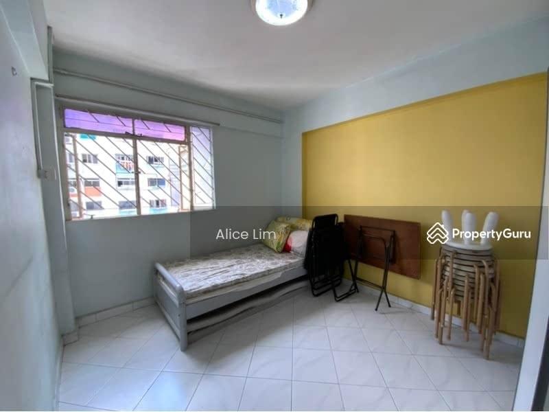 678 Hougang Avenue 8 #130683038