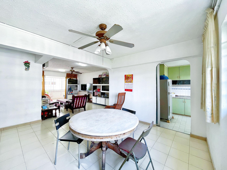 322 Jurong East Street 31 #130392638