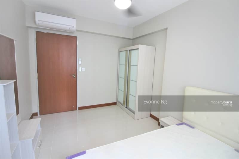 878A Tampines Avenue 8 #130397198