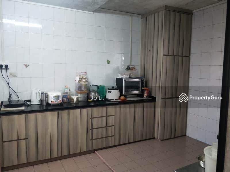 405 Jurong West Street 42 #130410318