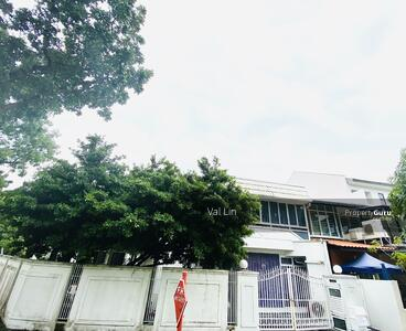 For Sale - Realty Park Near Hougang MRT ★ RARE HUGE LAND ideal for redevelopment ★ Attractive $9xx psf