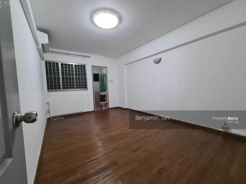 695 Hougang Street 61 #130622138