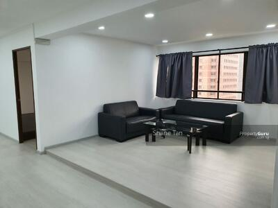 For Rent - Lucky Plaza