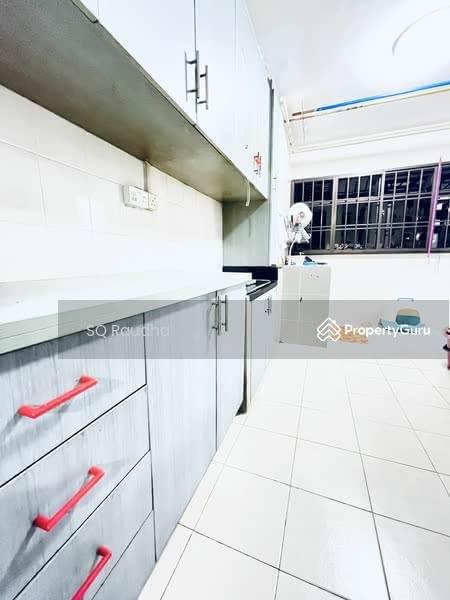 525 Jurong West Street 52 #130758720