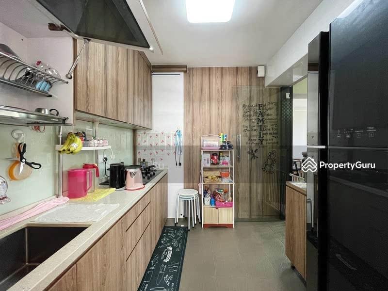 812A Choa Chu Kang Avenue 7 #130813696