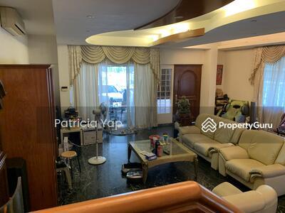 For Sale - MOTIVATED SELLER ⭐️D19 Original condition ⭐️ 2 Storey Semi-D @ Paya Lebar Crescent