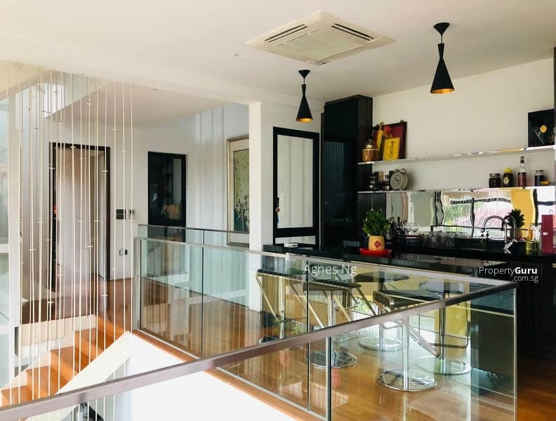 ⭐⭐LANDED7772@FULLY RENOVATED WITH LIFT AT GOLDEN RISE ESTATE, HURRY! #130852596