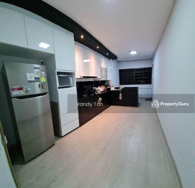 102 Hougang Avenue 1 #130925476