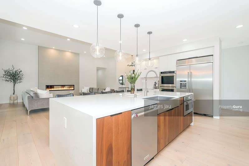 Elevated! Surrounded by mature green. Nice Quiet Street in District 10! #131028366