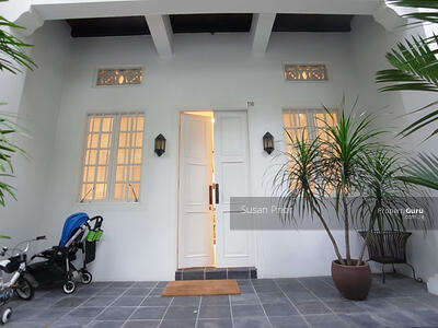 For Rent - American/ Tanglin Club City Stunner Shophouse 5+1 Home 3 Parking Lots