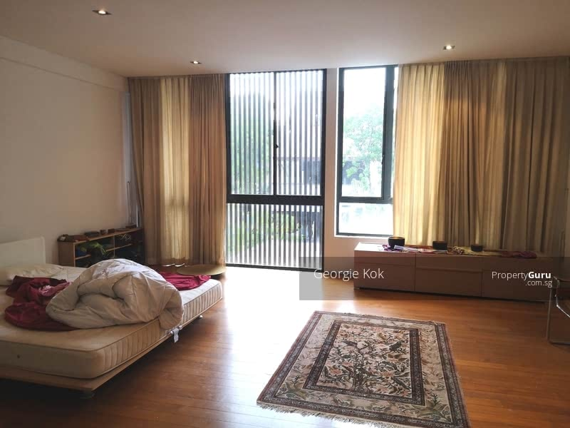 Beautiful Bungalow with Pool @ Braddell Heights Near International Schools #131573914