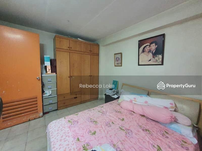 631 Hougang Avenue 8 #131442238