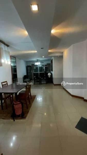 296 Punggol Central #131486330
